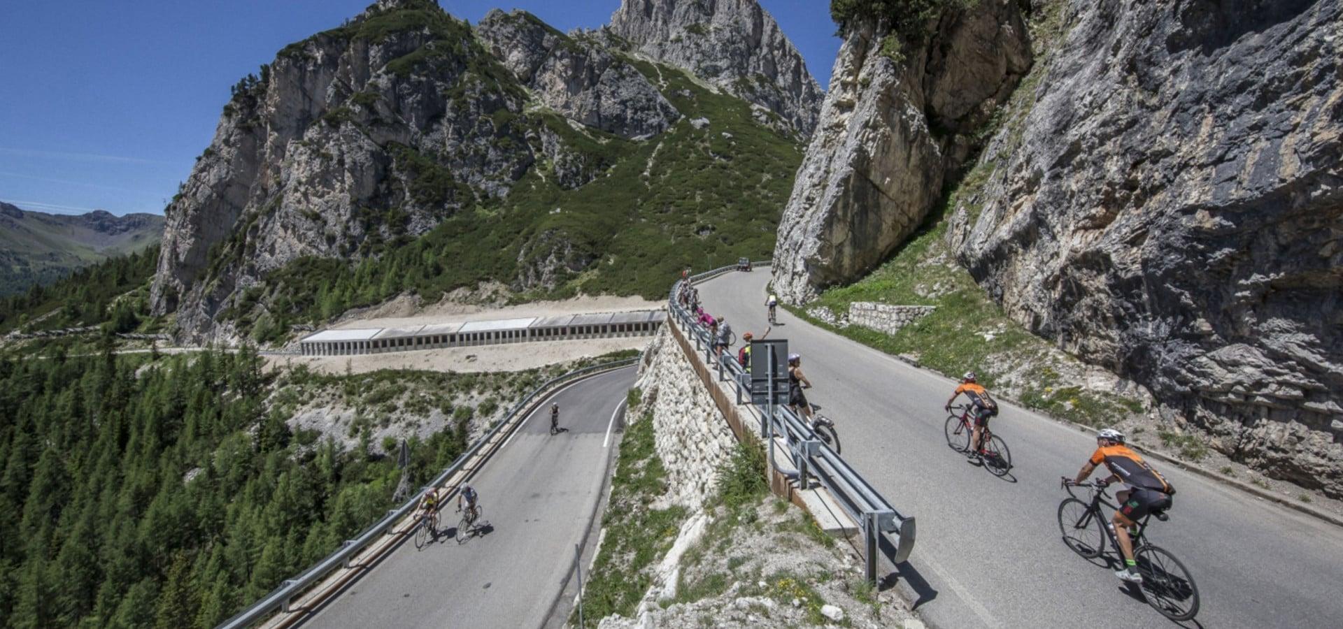 Passo Falzarego- Sass de Stria- Passo Campolongo