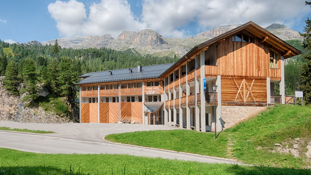 Designed In A Rustic And Simple Mountain Style, The Interiors Of Hotel  Elisir Will Immediately Make You Feel At Ease.