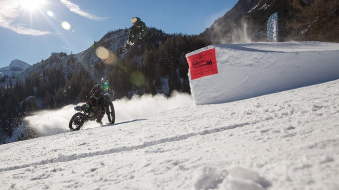 Eröffnungsfeier des Snowparks- zu sehen auf ITALIA 1