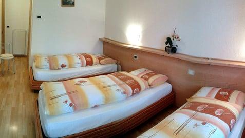 Apartments L'Moreto
