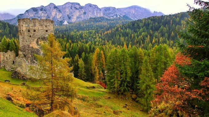 Autumn in Arabba, in the heart of the Dolomites