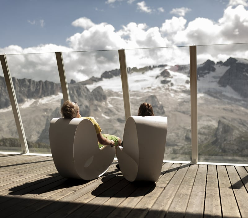 Copia di Must go places to fully enjoy the shooting star showers in the Dolomites of Arabba